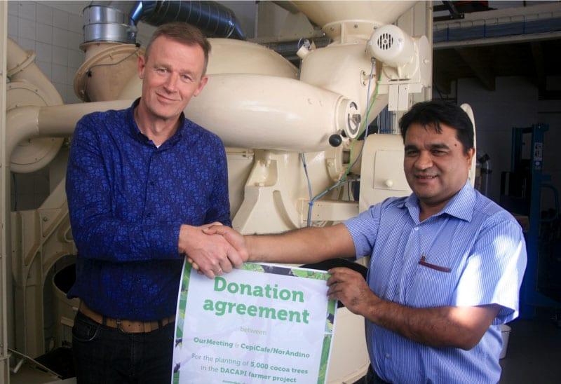 Donatie goed doel cacaobomen OurMeeting