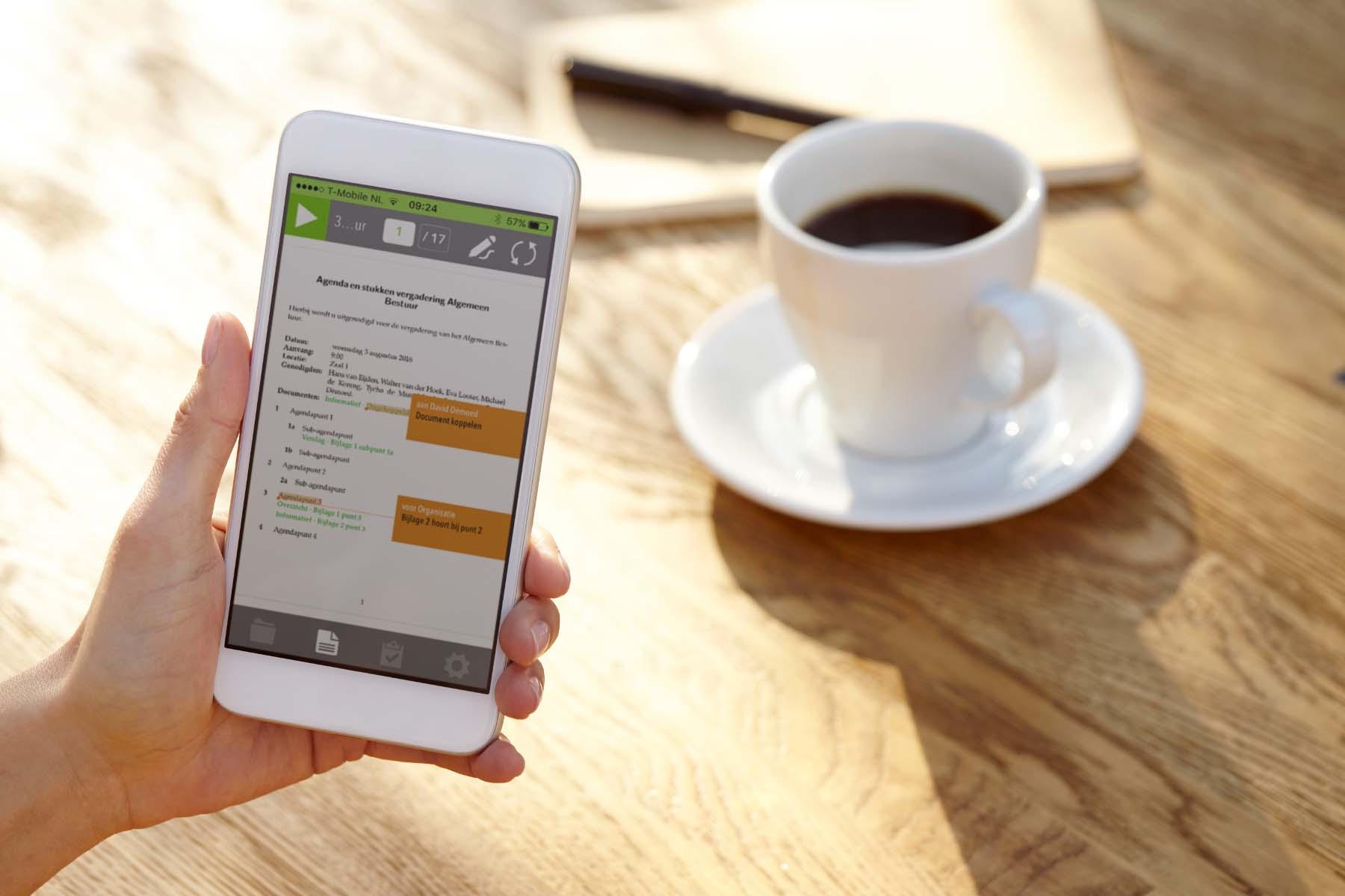 De nieuwe iPhone App voor Papierloos Vergaderen van OurMeeting. Altijd alle vergaderstukken op zak!